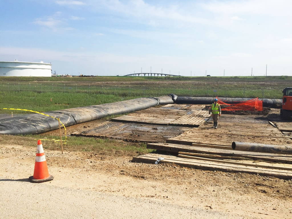 HASS ground water control using water barriers near Houston TX