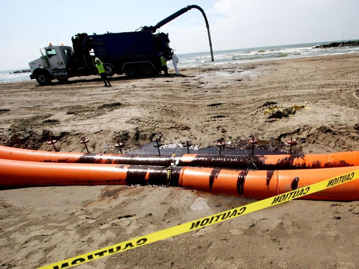 Emergency Rapid Response Cleanup of Gulf Oil Spill  HASS Hydrovac