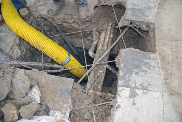 expose broken pipe with Hass hydro excavation services near Houston