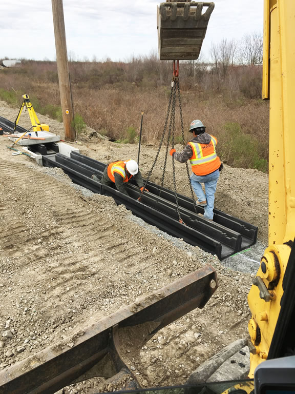 Railroad trunking trench shoring and heavy civil construction with Hass