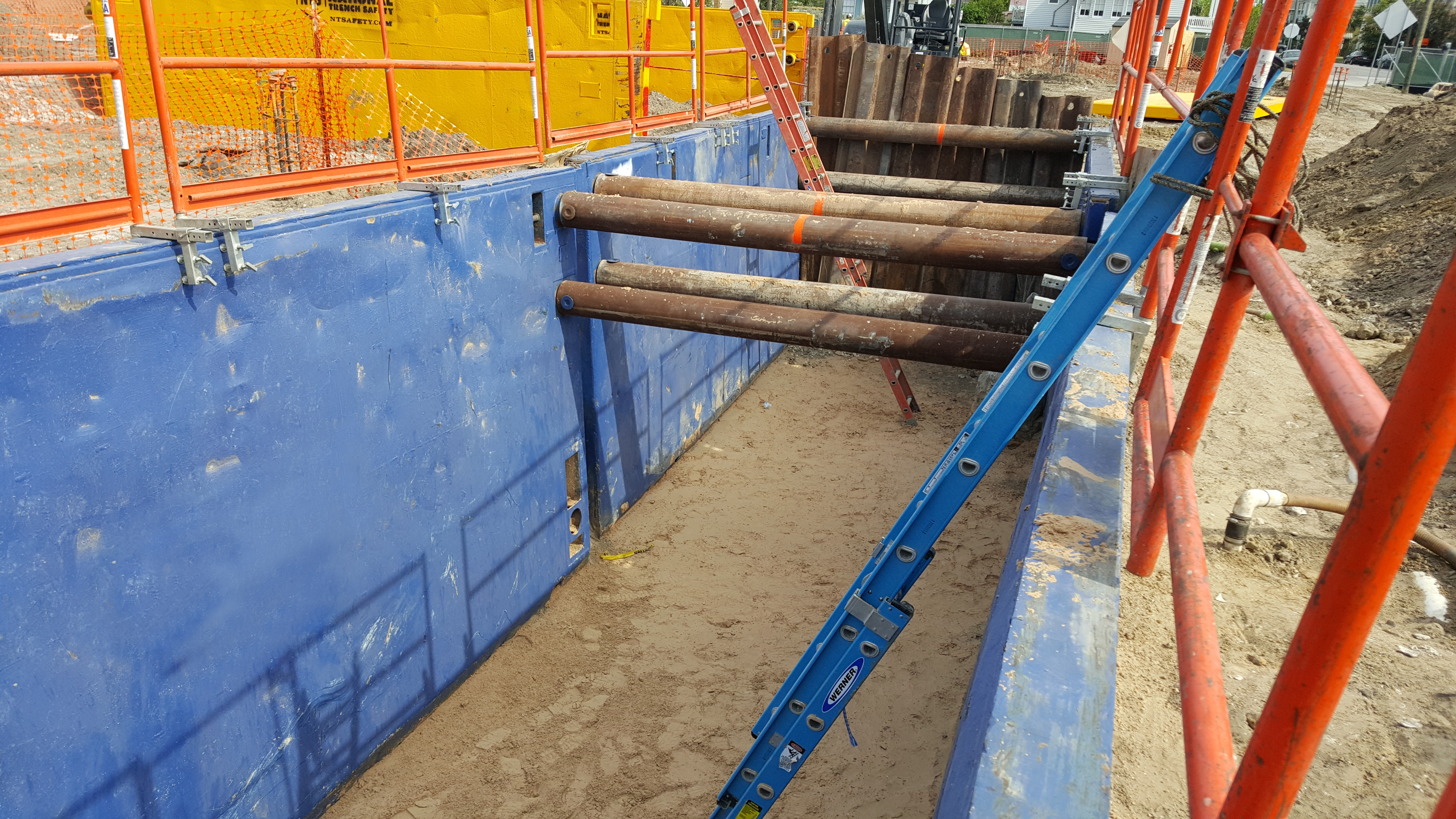 Trench Shoring Beam and Plate Lagging Liner Trench boxes slide rail